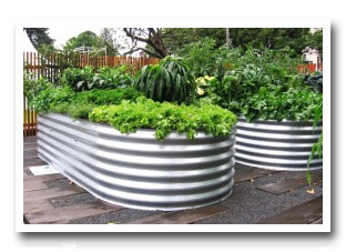 Colorbond raised garden beds bunnings garden ftempo for Portable watering tanks for gardens